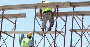 Μέσω τραπεζών η καταβολή του αδειοδωρόσημου Αυγούστου 2020 σε εργατοτεχνίτες οικοδόμους