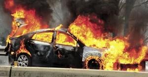 Πήρε φωτιά αυτοκίνητο στον Πρασέ του Δήμου Πλατανιά