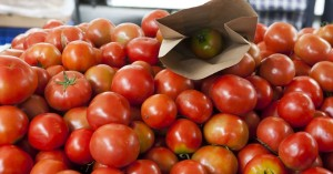 Βρέθηκαν υπολείμματα φυτοφαρμάκων σε τομάτες