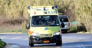 Σφοδρή σύγκρουση αυτοκινήτου με δίκυκλο στο δρόμο της Ελούντας