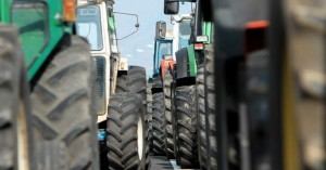 Αγρότες θα αποκλείσουν το τελωνείο του Προμαχώνα για τη Μακεδονία