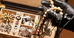 Κλέφτες με αδυναμία στα κοσμήματα ρήμαζαν σπίτια στο Ηράκλειο