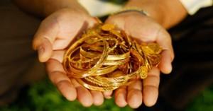 Μπήκαν στο σπίτι και αφαίρεσαν κοσμήματα αξίας 30.000 ευρώ