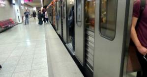 Παρασύρθηκε στο Μετρό – Πιάστηκε το λουρί του σκύλου της στον συρμό