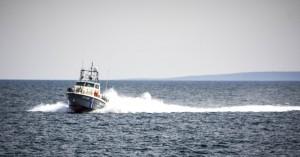 Ερευνούν το ενδεχόμενο να βύθισαν επίτηδες το ύποπτο πλοίο νότια της Κρήτης