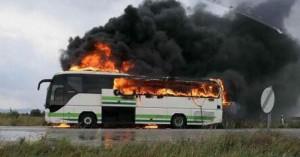 Κεραυνός χτύπησε λεωφορείο των ΚΤΕΛ γεμάτο επιβάτες - Κάηκε ολοσχερώς(φωτο)