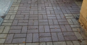 Και όμως συμβαίνει στα Χανιά! Ο Δήμος έκλεισε με κάγκελα ράμπα σε πάρκο!
