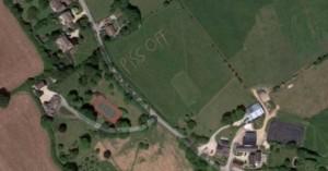 Το… άσεμνο μήνυμα που άφησε ένας αγρότης στο χωράφι του