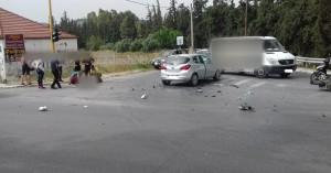 Σύγκρουση αυτοκινήτου με μηχανάκι στη λεωφόρο Σούδας (φωτο)