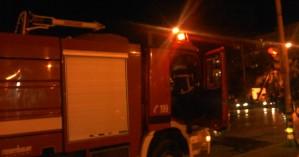 Μεταμεσονύχτια πυρκαγιά σε επιχείρηση στο κέντρο του Ηρακλείου