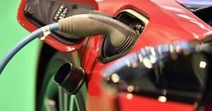 Τα ηλεκτρικά αυτοκίνητα απειλούν θέσεις εργασίας στην αυτοκινητοβιομηχανία