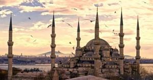 Στην Κωνσταντινούπολη η τελευταία μάχη για τις εκλογές στην Τουρκία