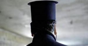 Ιερέας στην Κρήτη δάγκωσε αστυνομικό!