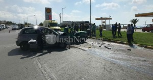 Σφοδρή σύγκρουση οχημάτων στον Λατζιμά (φωτο)