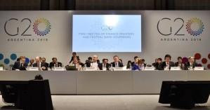 Κίνδυνος για την παγκόσμια οικονομία οι αυξανόμενες εμπορικές εντάσεις