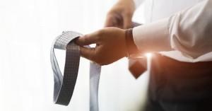 Επικίνδυνη για τον αντρικό εγκέφαλο η… γραβάτα
