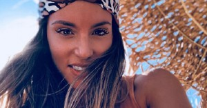 Αθηνά Οικονομάκου: Ξεχνά κάθε είδους photoshop και βλέπουμε το κορμί της