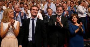 O Πάμπλο Κασάδο διαδέχεται τον Ραχόι στο Λαϊκό Κόμμα στην Ισπανία