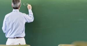 Διαλέξεις με θέμα τα προβλήματα των νέων εντός και εκτός του σχολείου