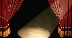 «Κινδύνευσα πολλές φορές να χάσω το σπίτι μου για να είμαι στο θέατρο»