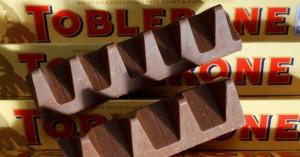 H Toblerone επιστρέφει στο κλασικό της σχήμα