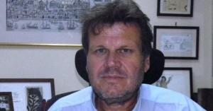 Συλλήψεις αστυνομικών, στρατιωτικού για επιθέσεις σε δημοσιογράφο του ΑΠΕ