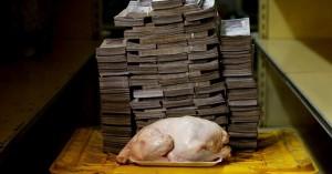 Βενεζουέλα:Με πάκους χρημάτων πληρώνουν ρύζι, κοτόπουλο και χαρτιά υγείας