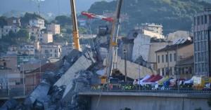 Πρόστιμα για την κατάρρευση της γέφυρας στη Γένοβα εξετάζει η Ιταλία