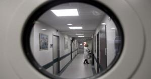 Κρίσιμες ώρες για τον άντρα που αυτοπυρπολήθηκε στα Χανιά