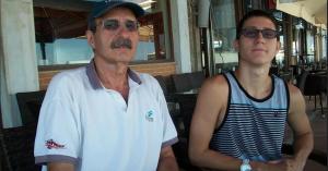 ΟινούσσεςΤα πρόσωπα της τραγωδίας: Συνεχίζονται οι έρευνες για τον 22χρονο