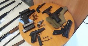 Ολόκληρο οπλοστάσιο βρέθηκε στο σπίτι 54χρονου στο Ηράκλειο (φωτο)