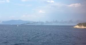 Σκάφος τυλίχτηκε στις φλόγες και βούλιαξε ανοιχτά των Παξών