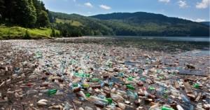 Πλωτή πλατφόρμα θα μπορούσε να λύσει το πρόβλημα των πλαστικών στη θάλασσα