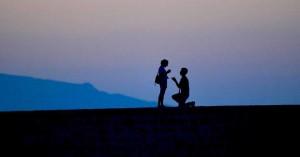 Η ρομαντική στιγμή πρότασης γάμου στο ενετικό λιμάνι Χανίων (φωτο)