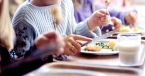 Σχολικά γεύματα σε δημοτικά σχολεία και στην Κρήτη