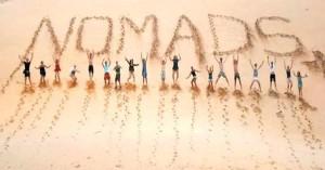 Χανιώτισσα φτιάχνει τις βαλίτσες της για το Nomads 2