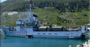 Βρήκαν 700 κιλά λαθραία τσιγάρα σε πολεμικό πλοίο που επέστρεψε από Λιβύη