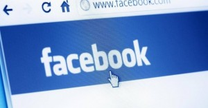 Στενεύει ο κλοιός για το Facebook - Απειλεί με κυρώσεις η Κομισιόν