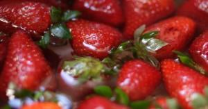 Φρίκη: Βελόνες μέσα σε φράουλες εντοπίστηκαν και στη Νέα Ζηλανδία