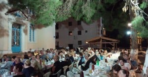 Πλήθος κόσμου στην εκδήλωση για την τρίτη ηλικία (φωτο)