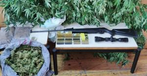 Χειροπέδες σε 51χρονο για 2,5 κιλά χασίς,πολεμικό όπλο και σφαίρες (φωτο)