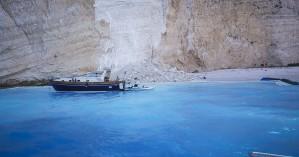 «Μπλόκο» από ξηρά και θάλασσα στο «Ναυάγιο» της Ζακύνθου
