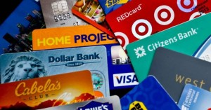 Γιατί οι πιστωτικές κάρτες περιορίζουν συνεχώς τα bonus