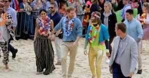 Ξυπόλυτοι πρίγκιπες σε παραλία της Αυστραλίας