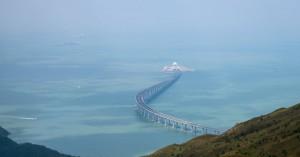 Αυτή είναι η μεγαλύτερη θαλάσσια γέφυρα στον κόσμο μήκους 55 χλμ. (φωτο)