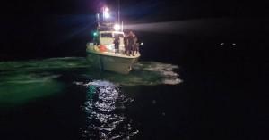 Προσέκρουσε σκάφος αναψυχής σε βραχώδη περιοχή στη Σητεία