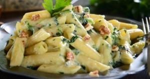 Πένες με σάλτσα μπλε τυριού - καρυδιών