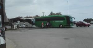 Στάση λεωφορείων σε διασταύρωση στον ΒΟΑΚ στο ύψος του Καβρού!