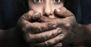 Άνδρας αθωώθηκε για βιασμό 17χρονης με υπεράσπιση τα καυτά της εσώρουχα