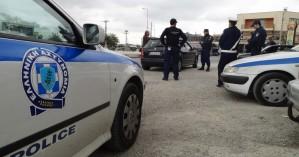 Αστυνομικός έσπευσε να σώσει την ηλικιωμένη, με το παιδί του στο αυτοκίνητο